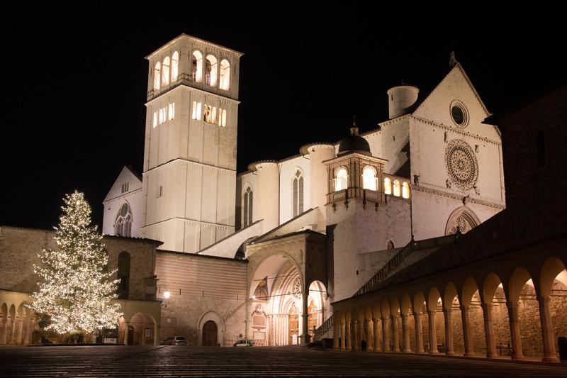 Capodanno ad Assisi, 3 giorni in hotel 3 stelle - Capodanno.com 2018 ...