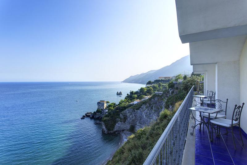 Capodanno sulla costiera amalfitana 5 giorni in hotel 4 for Due giorni in costiera amalfitana